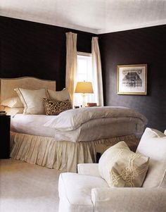 http://goodlifeofdesign.blogspot.com/2010/02/comfy-beds-remind-me-of-clouds.html  What type of bedding configuration do you like on your bed? Come and see all the different looks and decide which one suits you the best! KS