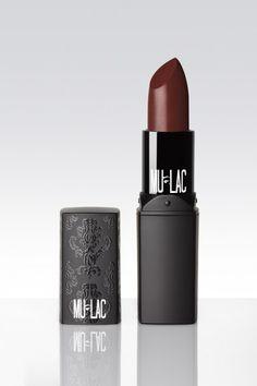 "Mulac lipstick in ""Wonka"""