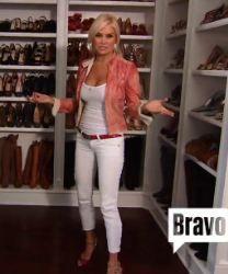 Yolanda Foster (RHOBH) white cropped skinny jeans