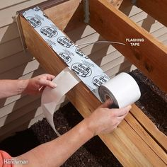 Avoid Deck Rot with Flashing Tape - Pressure-treated lumber that stays wet will eventually rot. Flashing tape keeps water from getting trapped between doubled-up joists. Deck Footings, Trex Decking, Terrasse Design, Laying Decking, Modern Deck, Under Decks, Deck Construction, Diy Deck, Deck Plans
