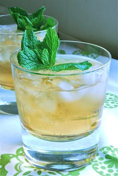How to Make a Mint Julep for Your Kentucky Derby Party    Classic Mint Julep