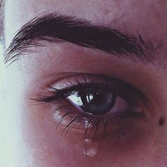 Crying Expression - Study for Realistic Character Illustration Details - Crying Aesthetic, Aesthetic Eyes, Aesthetic Girl, Crying Eyes, Crying Girl, Sad Girl Photography, Eye Photography, Emotional Photography, Pretty Eyes