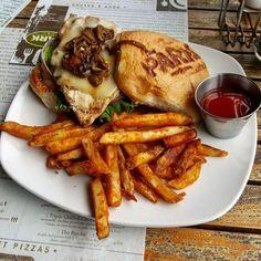$5 burgers! @EatDrinkThePark #theparkatthedomain #burgers http://ift.tt/1EiJW3T