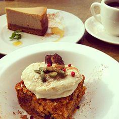 レシピとお料理がひらめくSnapDish - 27件のもぐもぐ - スパイシーキャロットケーキ・オーガニックコーヒー by tayuko
