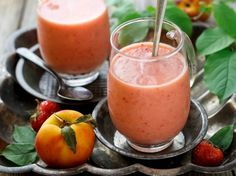 Super Simple Strawberry Peach Smoothie   #vegan #cleaneating   pure fruity refreshiousness