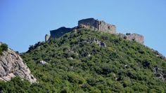 Château de Termes : aperçu depuis la D 40, aux environs du moulin de la buade.