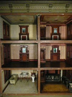 A spectacular dolls house is found in Long Island - Dolls Houses Past & Present