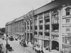 The impressive façade to the Wertheim Store, Berlin, Germany (Source: Bildarchiv Foto Marburg) Die Titanic, Berlin Mitte, Berlin Germany, Architecture Old, Old Buildings, Department Store, Historical Photos, Alter, Old World