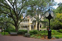 College of Charleston Bucket List - 50 Things to do before graduation - Charleston Daily