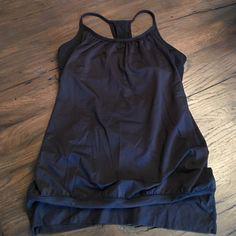 Lulu no limits tank Lululemon no limits tank with built in supports and banded hem. Black size 8. Great condition! lululemon athletica Tops Tank Tops