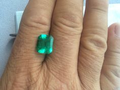 4,86ct colombian Emerald