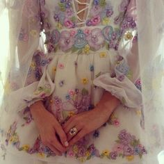 poppy delevingne wedding dress - Buscar con Google
