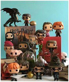 Magia Harry Potter, Décoration Harry Potter, Harry Potter Dolls, Harry Potter Tumblr, Harry Potter Universal, Harry Potter Pop Figures, Hogwarts, Funko Pop Dolls, Yer A Wizard Harry