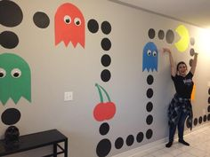 themed party play a game of giant PAC man birthday wall decoration) 90s Theme Party Decorations, Fun Party Themes, Ideas Party, 80s Theme, 80s Birthday Parties, Birthday Party Games, Birthday Wall, 30th Birthday, 90s Theme Parties
