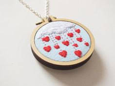 https://www.etsy.com/fr/listing/235297979/valentines-day-gift-hearts-necklace