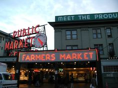 Pike Place Market - Seattle, WA - Read kid-friendly reviews of fun family activities at Trekaroo.com #Trekarooing