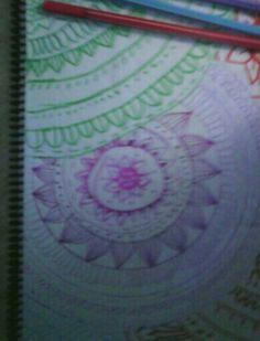 Hola,hoy he hecho este dibujo de mandalas.🎨👍