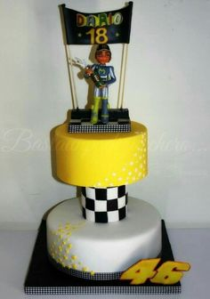 Buttercream Filling, Chocolate Buttercream, Edible Printing, Vanilla Sponge, Chocolate Sponge, Vr46, Themed Birthday Cakes, Valentino Rossi, Fondant