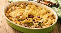 Casserole with bread, leek, ham and cheese. Low Carb Recipes, Cooking Recipes, Healthy Recipes, Ham And Cheese, Macaroni And Cheese, Breakfast Casserole With Biscuits, Sausage Bread, Healthy Pumpkin, Casserole Recipes