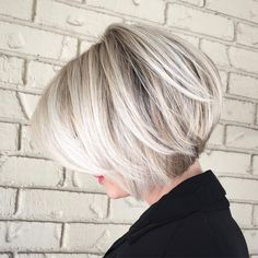 "2,874 curtidas, 36 comentários - CITIES BEST HAIR ARTISTS (@citiesbesthairartists) no Instagram: ""Love a short Blonde Bob By @rochellegoldenhairstylist"""