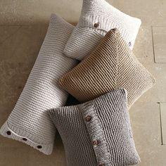 Kissen - super Idee, wer Lust hast zu stricken und schon genug Socken und Schals…