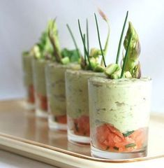 Verrine de mousse d'avocat sur tartare de saumon Plus
