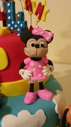 Daisy Cupcakes, Disney Characters, Fictional Characters, Minnie Mouse, Disney Face Characters