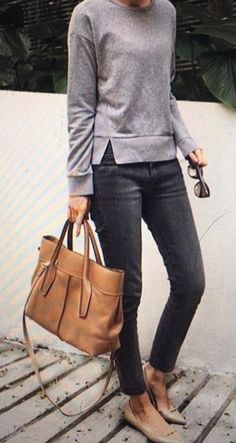 Classy work outfit ideas for sophisticated women 11 casual chic outfits, casual chic fashion, Classy Work Outfits, Office Outfits, Mode Outfits, Work Casual, Chic Outfits, Fall Outfits, Jeans Outfit For Work, Casual Fridays, Heels Outfits