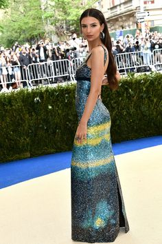 Emily Ratajkowski in a Marc Jacobs gown Met Gala May 1 2017