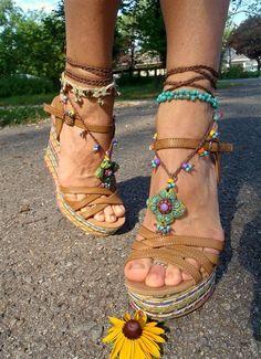 Foot baubles