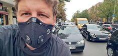 "רוכב אופניים בברלין on Twitter: ""@ResproUK"" / Twitter Selfie, People, How To Wear, People Illustration, Selfies, Folk"