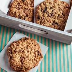 The Big Diabetes Lie- Recipes-Diet - Galettes à l'avoine et aux raisins Recettes Desserts With Biscuits, Cookie Desserts, Cookie Recipes, Dessert Recipes, Galletas Cookies, Raisin Cookies, Biscuit Cookies, Oatmeal Recipes, Baking Recipes
