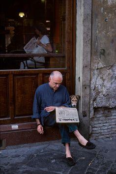 Reading | Steve McCurry - Rome, Italy