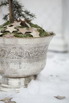 How to use your Champagen ice bucket in a new way. Make sure you don't need it over Christmas!