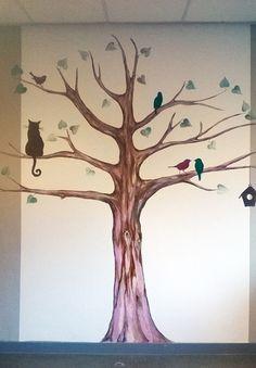 Janssies maakt muurschilderingen voor diverse ruimtes zoals bedrijfsruimtes, huiskamers en slaapkamer.