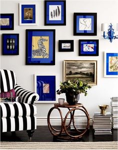 quadros com paspatur oder passepartout azul - Custom Frames Online, Sweet Home, Bright Homes, Fabric Covered, Decoration, Feng Shui, Living Room Designs, Living Spaces, Vignettes