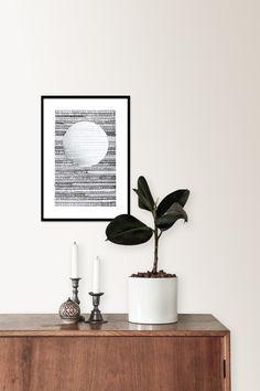 Kunst projekt af Christina Christensen. Meditativ tegning med blæk på papir. Tankerne tømmes. Begrænset udgave på 100stk. Alle er håndmalet og unikke.