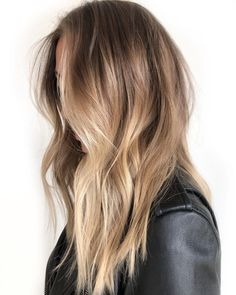 Short Haircut with Sass - 60 Short Shag Hairstyles That You Simply Can't Miss - The Trending Hairstyle Blonde Hair With Highlights, Brown Blonde Hair, Medium Blonde, Hair Medium, Medium Brown, Honey Hair, Balayage Hair, Honey Balayage, Bronde Hair