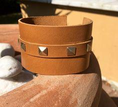 Brown leather men cuff by Wispa Collezioni