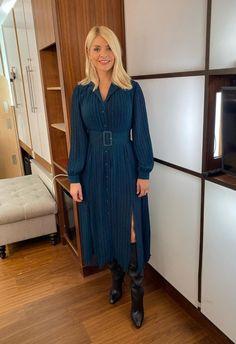 Holly Willoughby, Shirt Dress, Hot, Shirts, Dresses, Fashion, Vestidos, Moda, Shirtdress