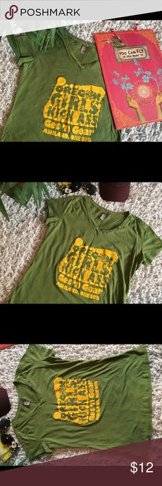 "Ashland Oregon Sports Fitness Outdoors Active xl Ashland Oregon Sports Fitness Outdoors Active tee. Sz XL. Chest across approx 18.5"". Cap sleeve approx 1.5"". Length approx 23.5"". Good used condition! Great for The outdoorsy active girly 🌲👣✌🏻🤩 Tops Tees - Short Sleeve"