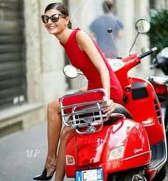 Red vespa girl scooters with photos 35