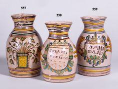 """Talavera Puente,jarro de ceramica de la serie policroma,leones rampantes e inscripcion """"Viva mi dueño"""" ca 1800"""
