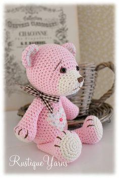 ღ Amigurumi Bear, crochet. Bad link, can't find at De Wanda. Bear is similar to this one, finished differently: https://www.pinterest.com/pin/222928250282681809/ Crochet ideas ღ