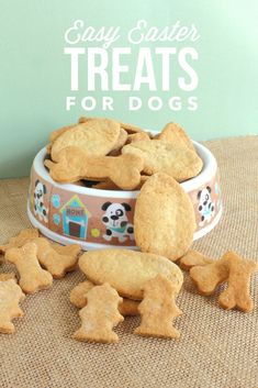Easy Easter Dog Treats Recipe for Fido's Basket: Time to start thing about some easy Easter dog treats recipe for Fido! If he has some yummy goodies of his own, he won't go after the ones in your basket. Puppy Treats, Diy Dog Treats, Dog Treat Recipes, Healthy Dog Treats, Dog Food Recipes, Homemade Dog Cookies, Homemade Dog Food, Best Dog Food, Dog Snacks