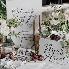 Wedding Entrance Table, Wedding Welcome Table, Card Table Wedding, Wedding Set Up, Wedding Reception Decorations, Wedding Flowers, Wedding Wishes Messages, Table Cadeau, White Silver Wedding