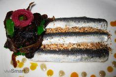 La dieta pescetariana consiste en cortar el consumo de carnes rojas y sólo consumir pescado, junto con verduras, cereales y legumbres, entre otros.