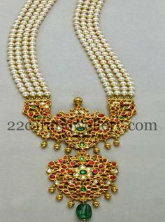 Jewellery Designs: Pearls Set with Kundan Pathakam