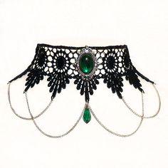 Hade varit en snygg accesoar till nästan vilken klänning som helst! Självklart med matchande sten!