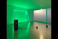 BERLIN.- The first solo exhibition in Germany by the British artist Haroon Mirza has a strikingly cryptic title: --{}{}{} {}--{}{}{}{}--{}. As the typographical equivalent of a wave form, it translates sound into a visual representation, thus referring to the work that Mirza developed especially for the Project Space of the Ernst Schering Foundation. The artist uses the shadow gaps that are typical for exhibition spaces as a starting point for creating a new light and sound composition.